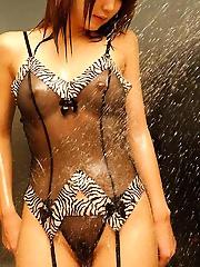 Japanese amateur in lingerie posing nude