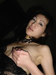 Sexy japanese wife shows her mature body