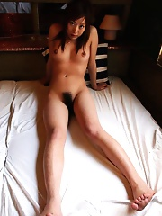Hot sexy japanese shows her hairy pussy
